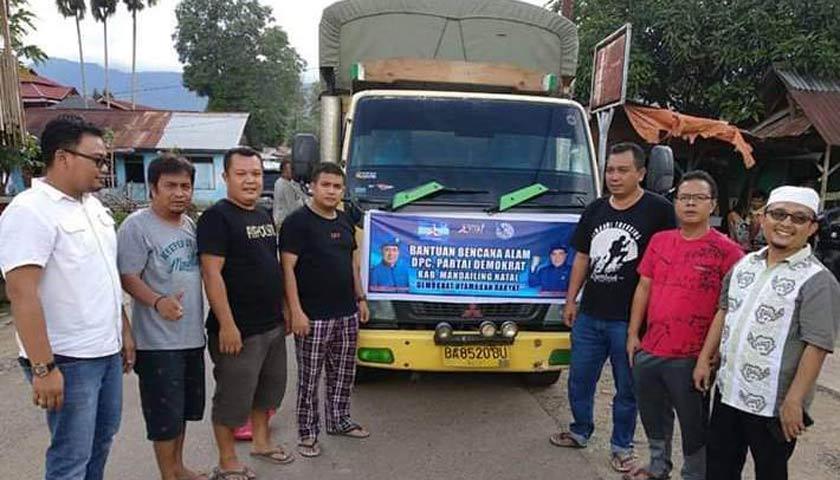 Peduli Sesama, DPC Demokrat Madina Bantu Korban Banjir Lingga Bayu