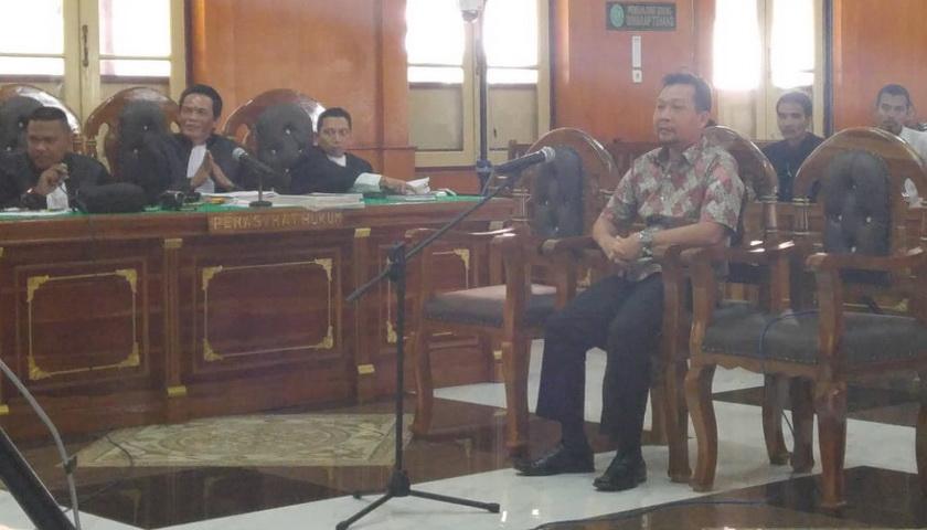 Suap Mantan Bupati Labuhanbatu, Asiong Dituntut 4 Tahun Penjara