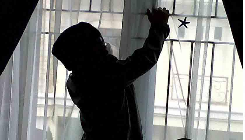 Rumah Mewah Dikuras, Pencuri Gasak Rp 3 M