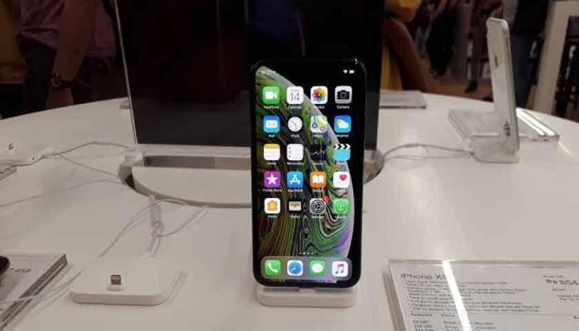 Apple Gandeng Samsung di iPhone Terbaru?