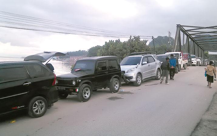 Viral..!!! Tarif Parkir Mobil 'Mencekik Leher' di Ajibata Diperdebatkan