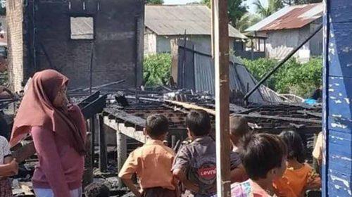 Dua Unit Rumah di Medan Labuhan Hangus Terbakar