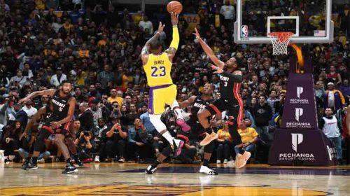 LA Lakers Benamkan Miami Heat NBA 2018-2019