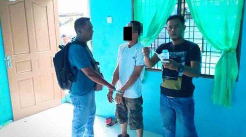 Sedang Asyik Nyabu di Rumah, Pemuda Ini Pasrah Diboyong ke Kantor Polisi
