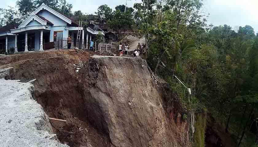Sumut Berpotensi Longsor, Nih Data 13 Kabupaten Rawan!