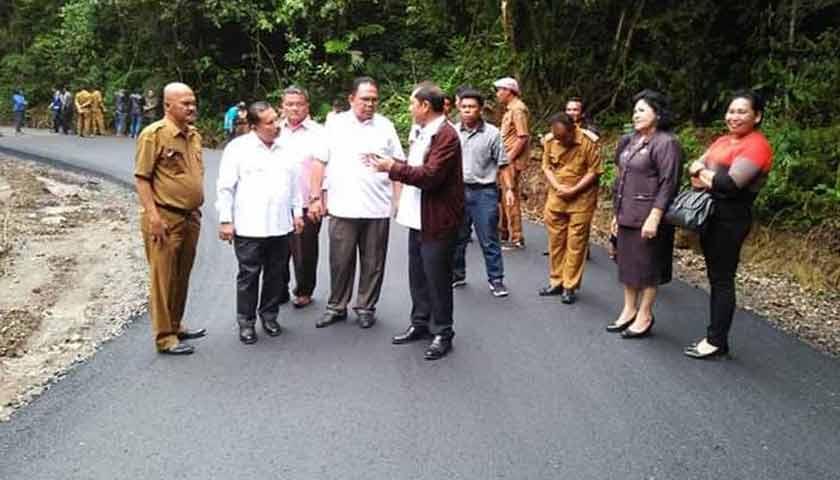 DPRD Sumut, Dinas BMBK dan Bupati Karo Tinjau Proyek Jalan Alternatif Karo-Langkat