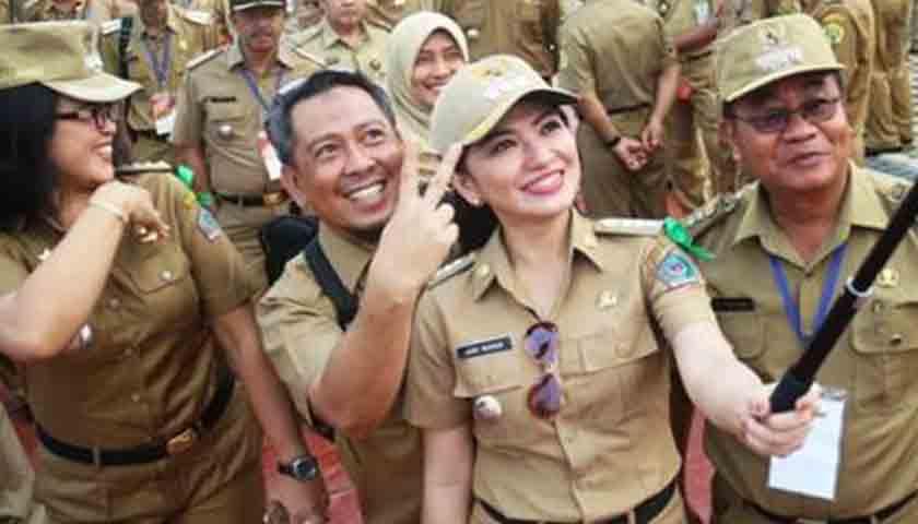 Hore..!!! Gaji Pokok PNS, TNI/Polri dan Pensiunan Naik 5%
