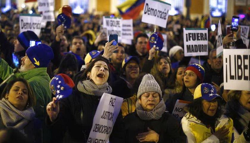 Maduro Klaim Dapat Dukungan Penuh Militer
