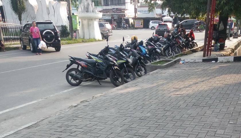 DPRD Medan Minta Agar Areal Bukan Parkir Steril dari Kendaraan