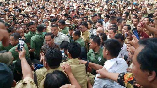 Mendagri Dampingi Presiden Terima Aspirasi Perangkat Desa Se-Indonesia