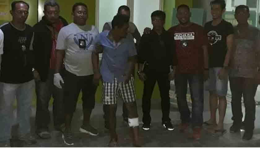 Perampok dalam Angkot Ditembak Polisi, Terkapar!