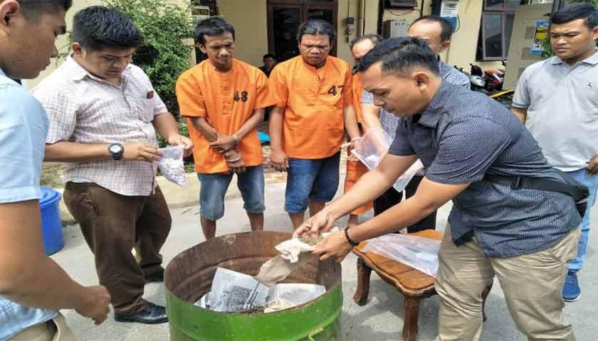 Polres Sergai Musnahkan Ratusan Gram Daun Ganja