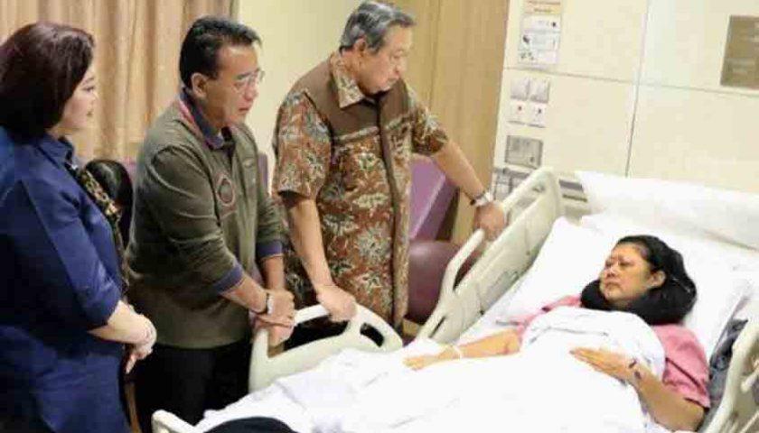 Ani Yudhoyono Mengidap Kanker Darah, Terimakasih pak Jokowi