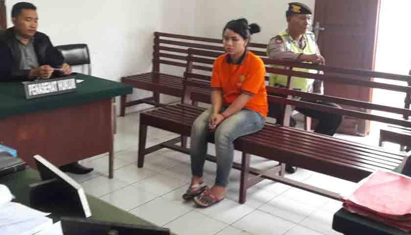 Cewek Sabu Nangis, Dituntut Tujuh Tahun Penjara