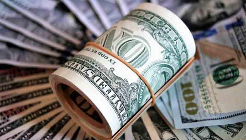 Dolar AS Melemah, Tertekan Data Ekonomi