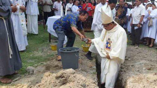 Peletakan Batu Pertama Pembangunan Gedung Pastoral Paroki St Fransiskus Assisi Padangbulan Medan Dimulai