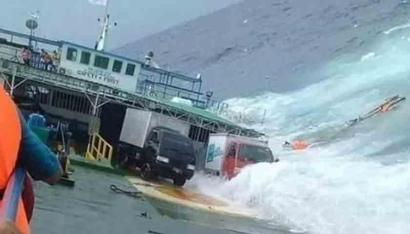 Dihantam Ombak, Kapal Pencari Ikan dan 20 ABK Hilang di Laut Nias