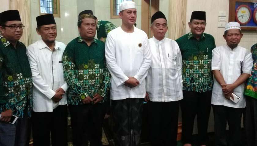 Kunjungi Gedung Dakwah Muhammadiyah Medan, Wagubsu Musa Rajekshah Terima PIN Kehormatan