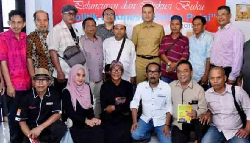 Wagubsu Luncurkan Buku Kumpulan Puisi di Medan