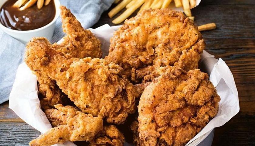 Selain Enak, Makan Kulit Ayam tak Bahayakan Kesehatan