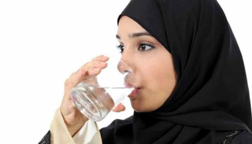 Agar Tidak Dehidrasi Selama Berpuasa, Ini Tips Minum Air Putih