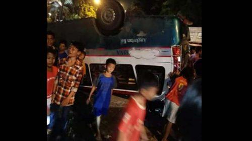 Angkutan Kota Terbalik di Medan Labuhan, 4 Orang Luka-Luka