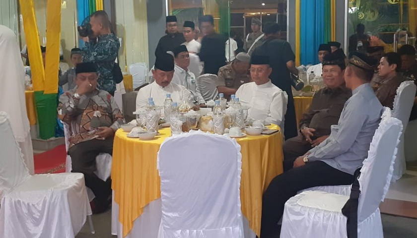 DPRD Medan Bukber dengan Wartawan dan Ormas
