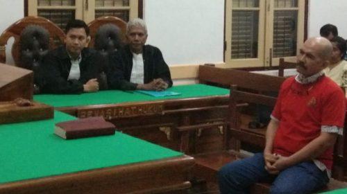 Palsukan Isi Surat Klarifikasi, Oknum Advokat Afrizon Divonis 2,6 Tahun