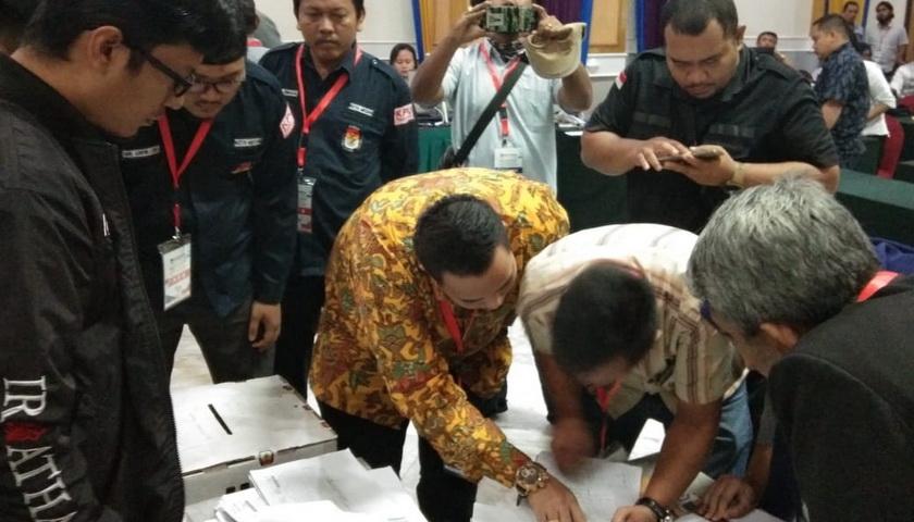 Rekapitulasi Hari ke-7: Jokowi-Ma'ruf 339.178, Prabowo-Sandi 363.840 Suara