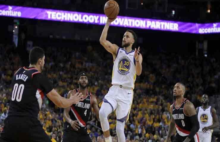Warriors Rebut Game Pertama Atas Blazers di Final Wilayah Barat