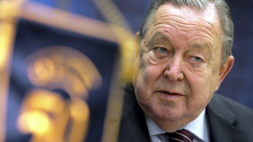 Mantan Presiden UEFA dan Penggagas Liga Champions Meninggal