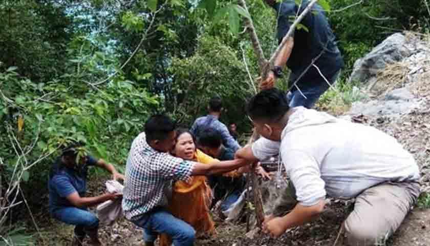 Mobil Masuk Jurang, Dikabarkan 4 Tewas, 15 Luka-luka