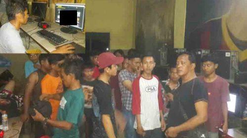 Asyik Nonton Bokep, 36 Pelajar Begadang di Warnet Terjaring