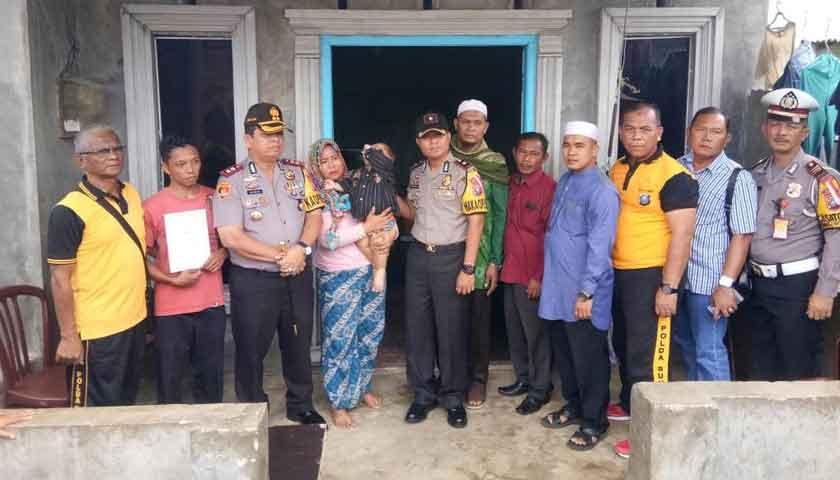 Kapolres Pelabuhan Belawan Jenguk Balita Penderita Kelainan Ginjal