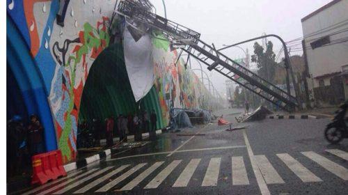 FPKS DPRD Medan Ingatkan Potensi Billboard Tumbang di Musim Hujan