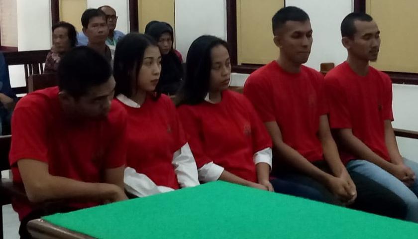 2 Gadis Jelita dan 3 Pria Terdakwa Kurir 10 Butir Pil Ekstasi Mulai Diadili