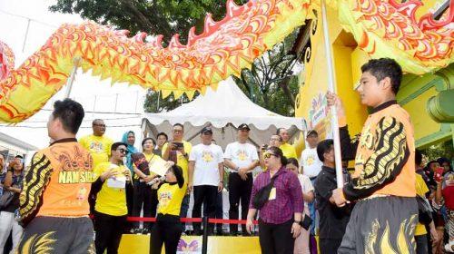 Gubernur Sumut Lepas Karnaval Budaya di Festival Pesona Lokal