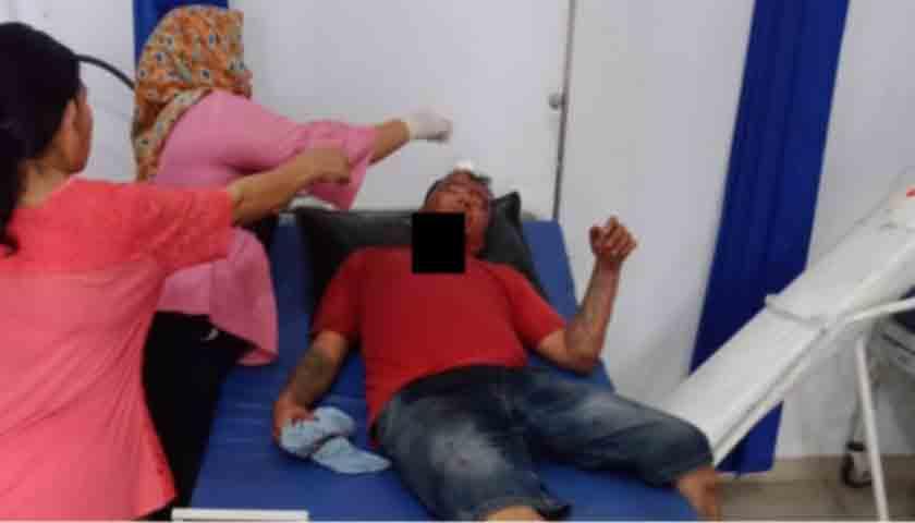 Pria Bertato Diamuk Massa, Kepala 'Mandi Darah' Dibacok, Dituduh Pelaku Begal