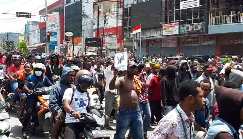 TNI dan Polri Masih Berusaha Kendalikan Situasi Mencekam di Manokwari