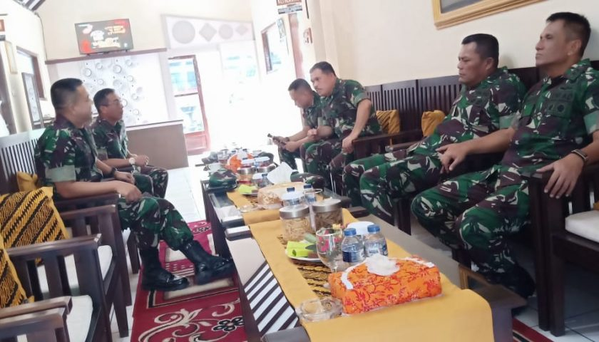 Latihan Gabungan TNI, Pangdam dan Danrem Baladhika Jaya Sambut Kedatangan Kasum TNI di Banyuwangi