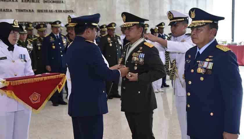 91 Pati TNI Terima Tanda Kehormatan dari Jokowi, Nih Daftarnya!