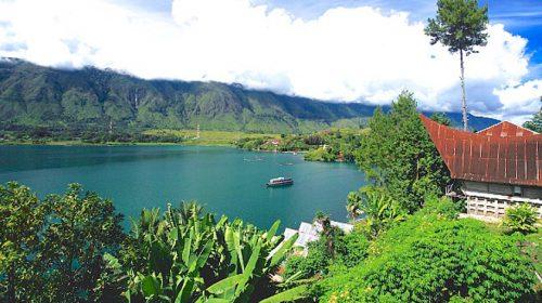 Ada Apa di Balik Gagasan Wisata Halal di Danau Toba?