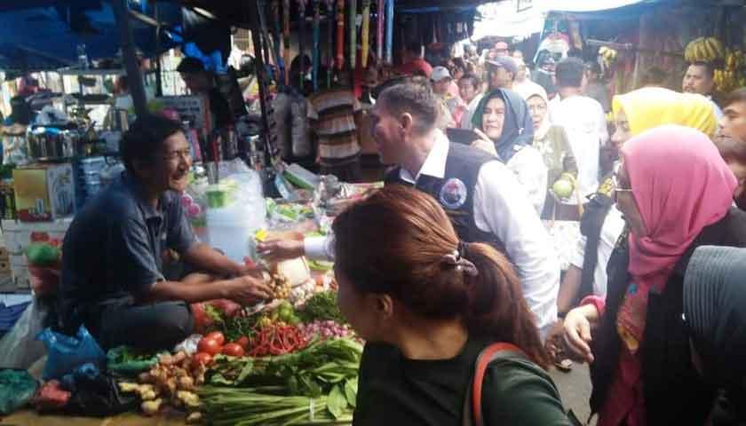 blusukan ke pasar tradisional