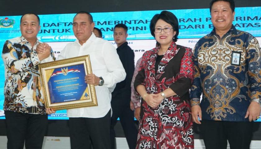 Bupati Batubara Terima Penghargaan dari Kakanwil DJPN Sumut