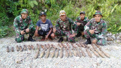 Anggota Satgas Yonif Raider Khusus 136/Tuah Sakti Amankan 36 Butir Munisi, Mortir dan Roket