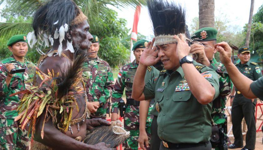 Aster Kasad Kunjungi Satgas Pamtas Yonif MR 411/Pdw Kostrad di Perbatasan RI-PNG