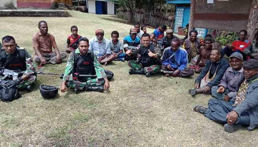 Jamin Keamanan Kondusif, Prajurit Satgas Pamtas RI-PNG 514 Temui Tokoh Masyarakat