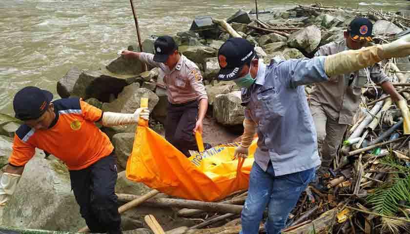 Pamit Mandi Sungai, Boru Bancin Ditemukan Tewas di Tumpukan Kayu