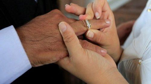 Nikah Beda Kasta, Pasangan India Dirajam Sampai Mati