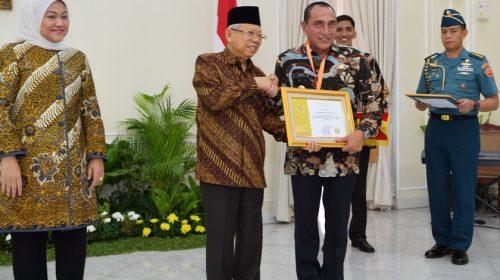 Gubernur Sumut Terima Pramakarya Award 2019